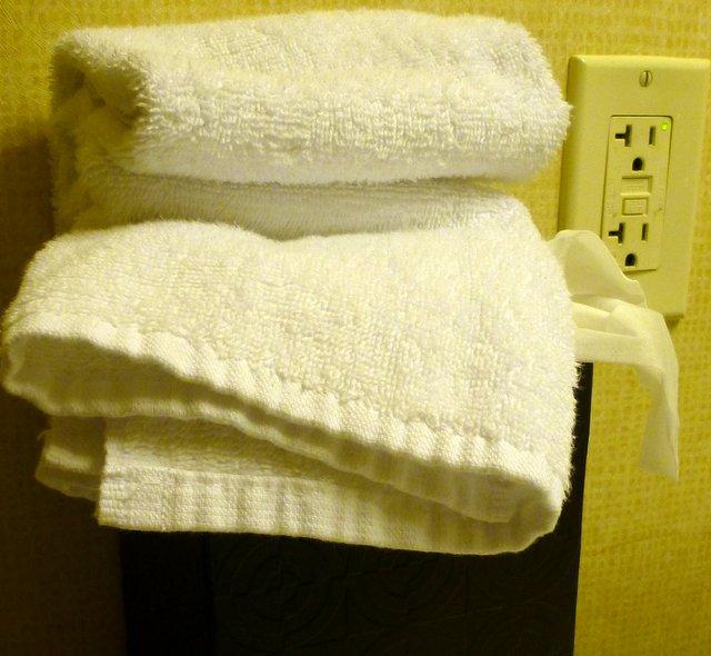 bathroomelectriceye