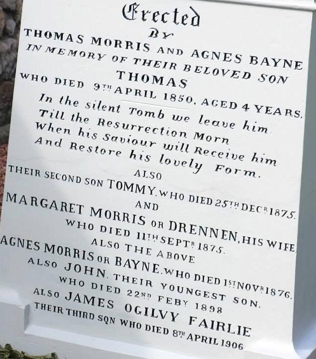 Open-Morris-grave